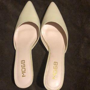 Women's M068 slip on shoe
